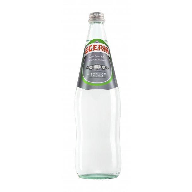 EGERIA: naturligt let perlende kildevand 1 liter